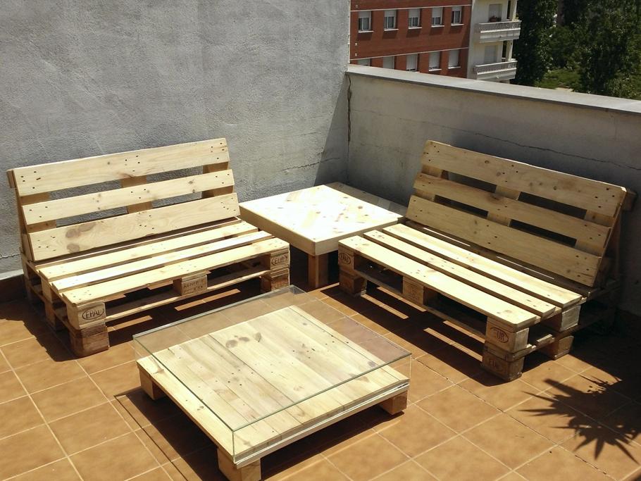 Hacete un sill n con palets de madera muy f cil taringa - Como hacer un sofa con palets ...